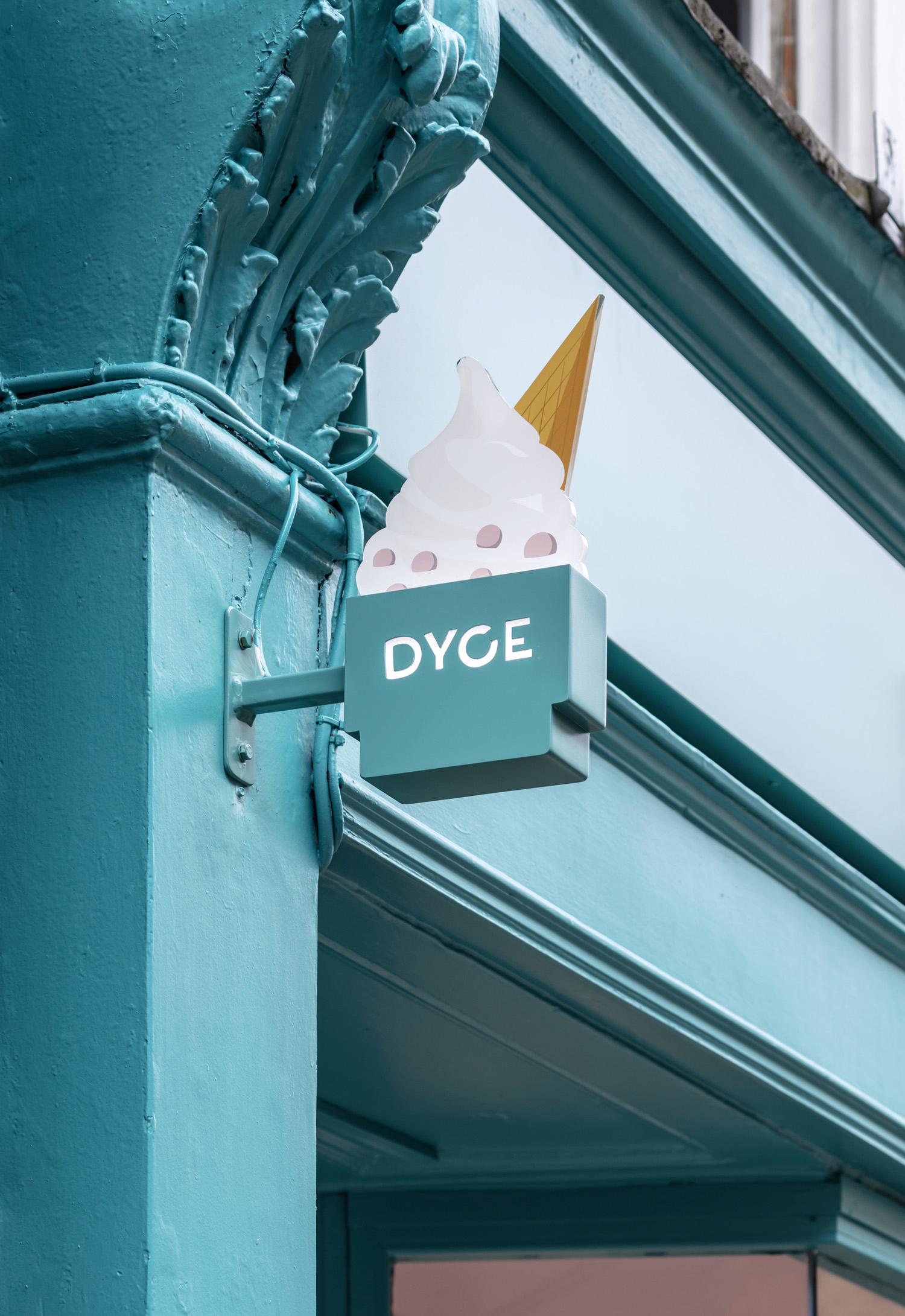 Dyce-51